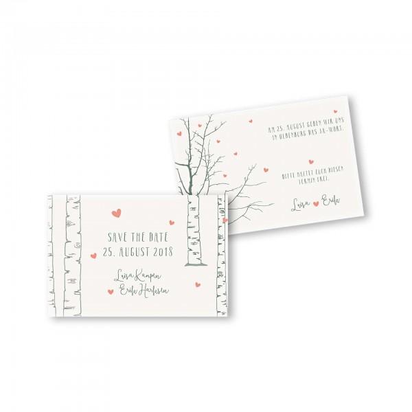 Save the Date flache Karte mit Umschlag – 2-Seiter DIN-A6 Kartendesign Verliebt unter Birken