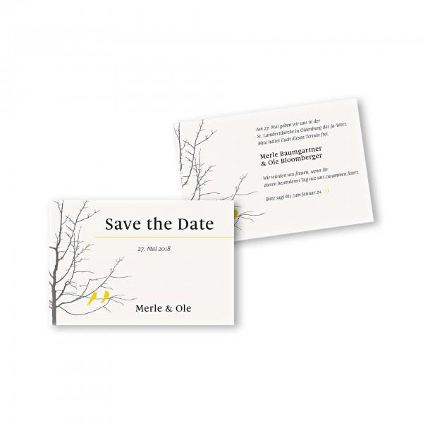 Save the Date flache Karte mit Umschlag – 2-Seiter DIN-A6 Kartendesign Verliebte Vögel im Baum